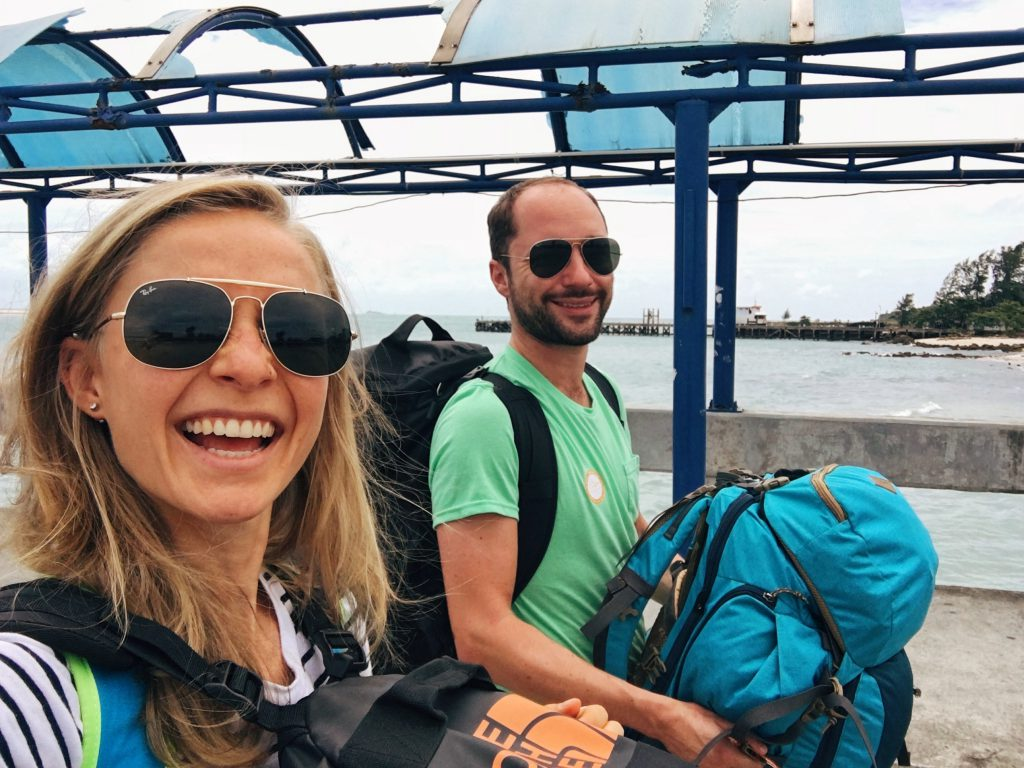 Backpacking Thailand travel couple Koh Phangan